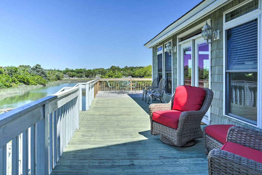On sunny afternoons, mix your favorite beverage and enjoy it outside on the private deck.