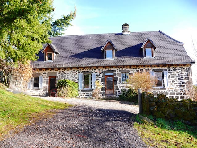 Large holiday cottage in the French countryside - Laroquevieille - Nature lodge
