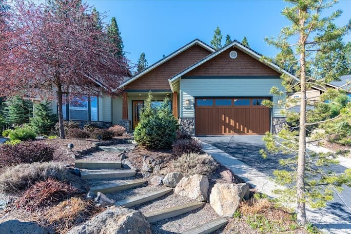 Mountain Modern Quiet Getaway for Families