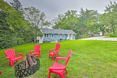Updated Twin Lakes Cottage, Walk to Lake Mary