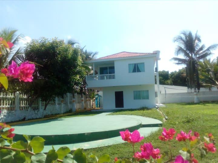 Habitación cerca al mar en Santa Verónica