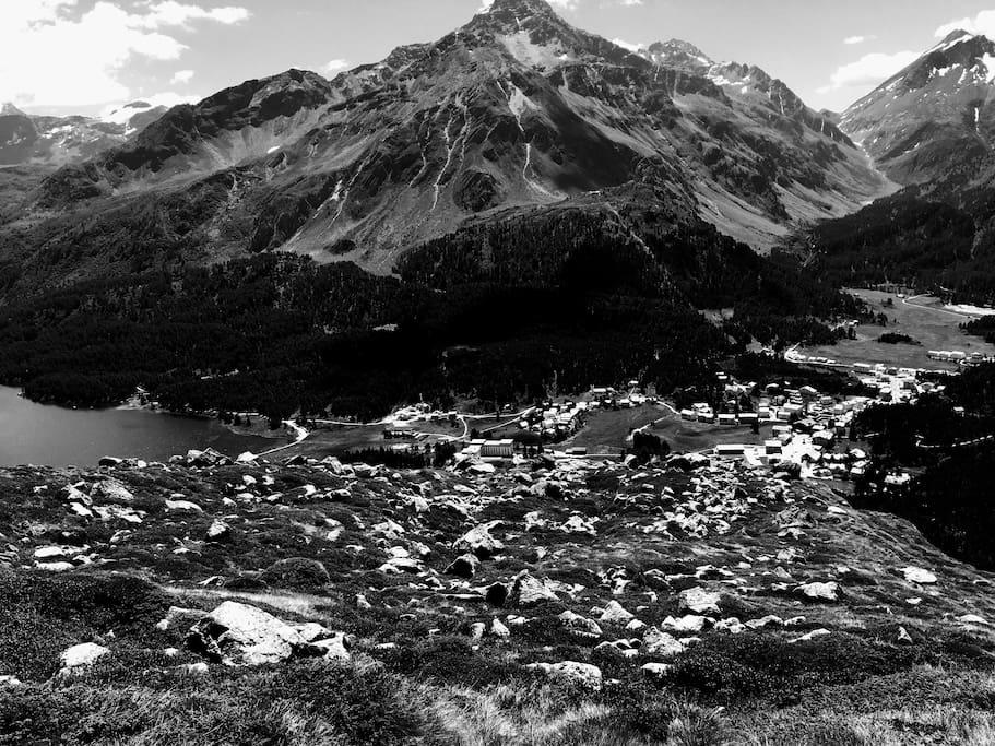 Maloja vista dai monti