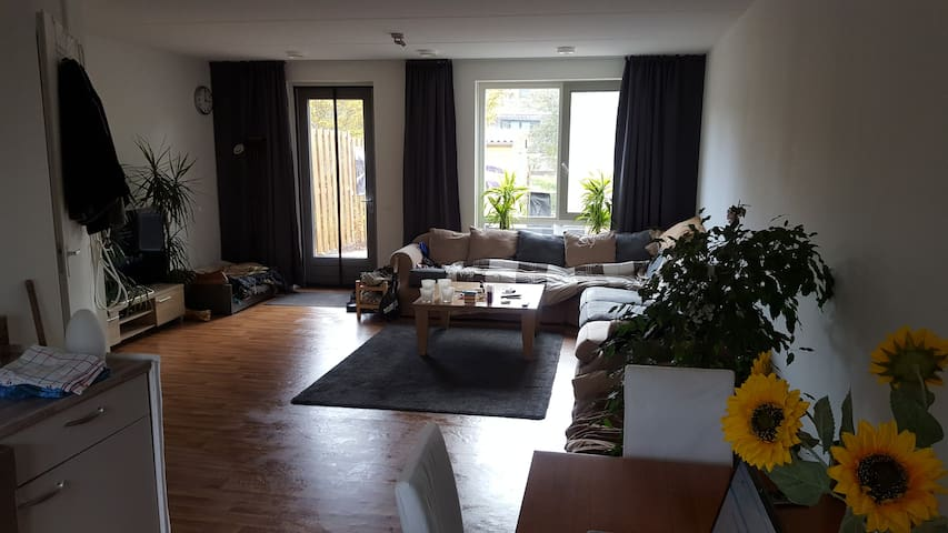 Recently build spacious corner house - big garden - Doetinchem - Casa