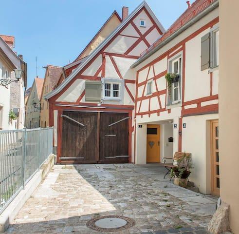 Romantisch Wohnen in der Altstadt - Weißenburg in Bayern - Casa