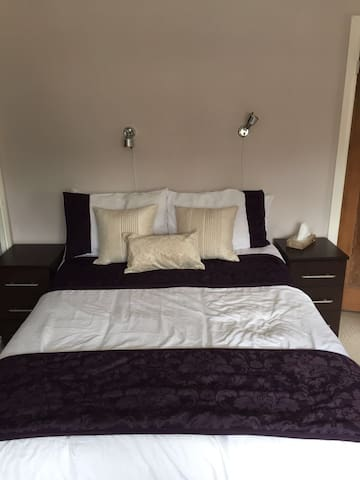 2 Bed House (Bus Stop at front door) - Oxford - Hus