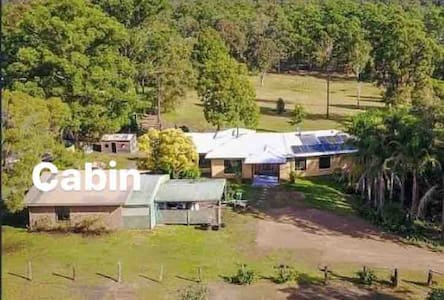 PET FRIENDLY 2 bedroom Cabin South Kempsey