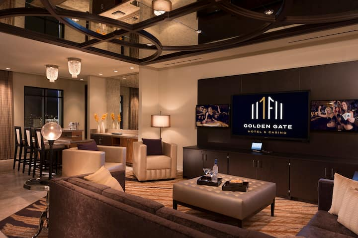 Golden Gate Penthouse Suite