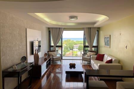 Apartamento amplo, arejado e confortável 3 quartos