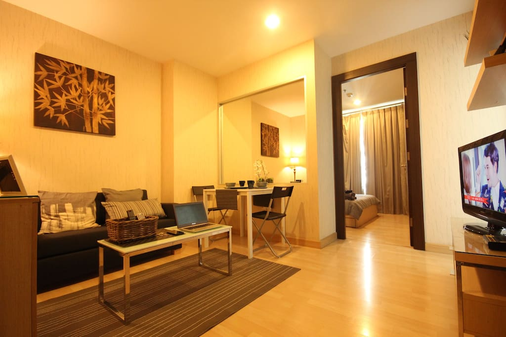 The stylish 1 Bedroom close to MRT subway/Wifi/Pool/Gym including Airport pick up
