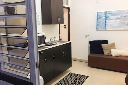 Cozy  One Bedroom, Sleeps 3