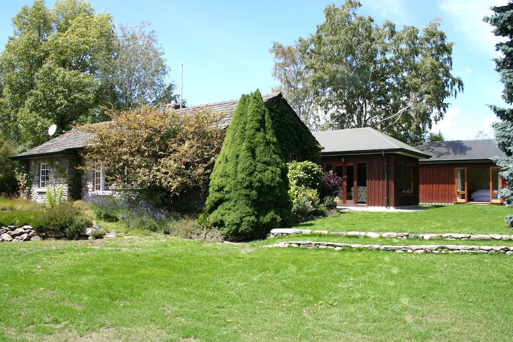 Privacy and charm, just 5 minutes drive from Wanaka