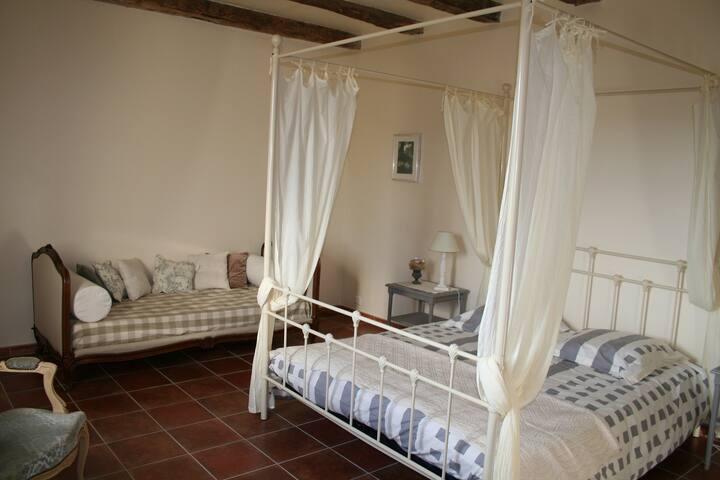 Chambre d'hôtes de charme pour 1 à 3 p, piscine - Conne-de-Labarde - Bed & Breakfast
