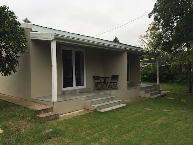 Ashwood Cottage 2 - Self Catering Studio