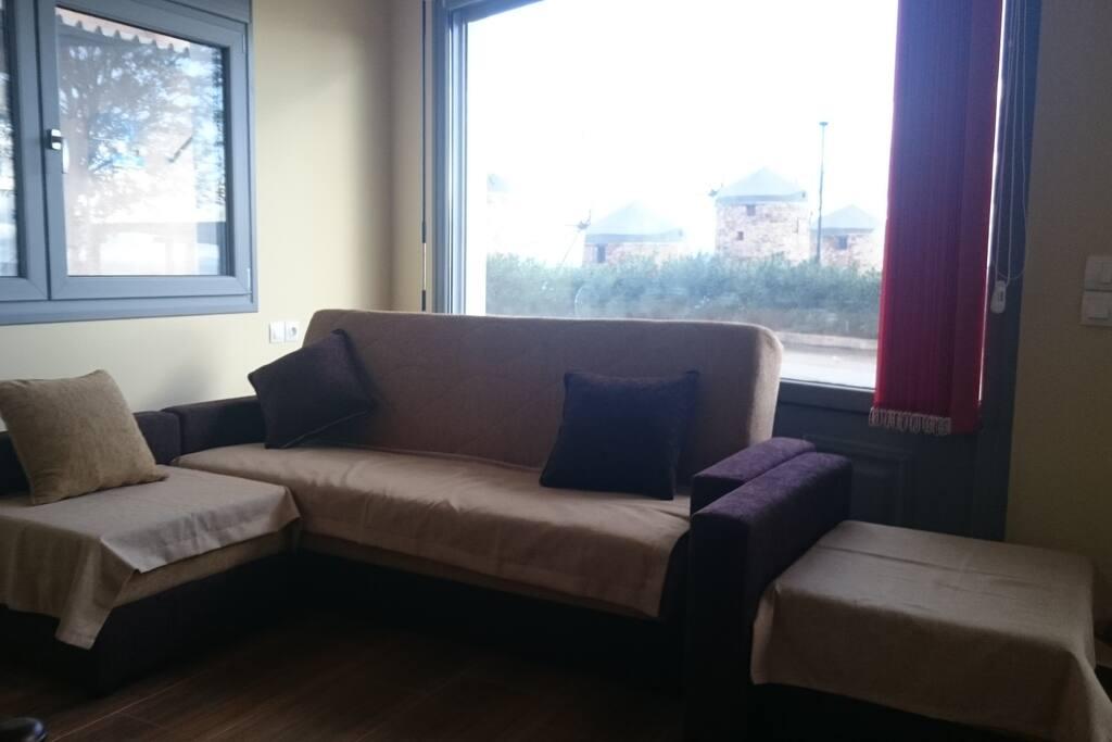 salon avec canapés lits