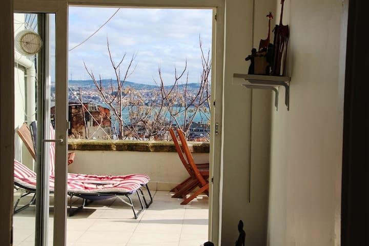 Flat&terrace&confort in Galata - Istambul - Apartamento