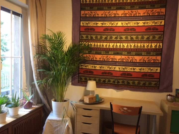 Cosy room in shared flat in historic Cologne