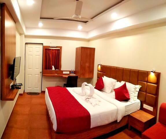Standard Queen Bed Room Near Anjuna Beach