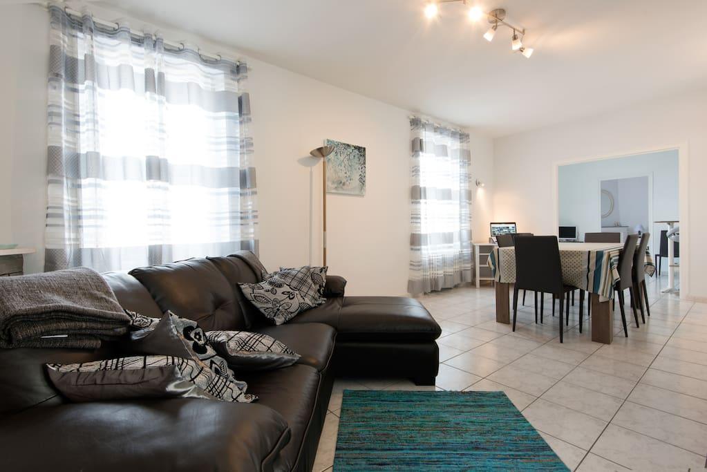 Agreable villa patio proche ocean maisons louer la - Salon de la maison neuve la rochelle ...