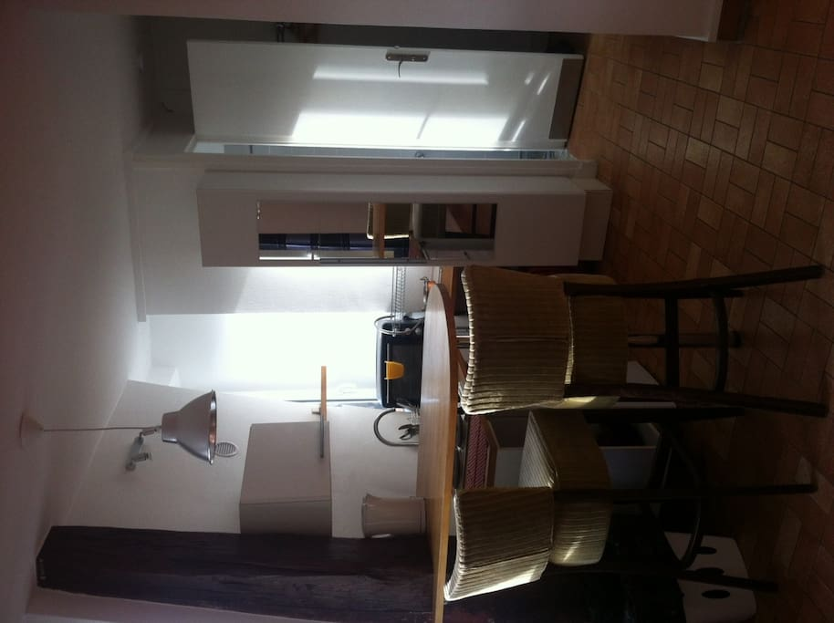 Studio meubl sans ascenseur 5ieme etage appartements for Louer studio meuble paris