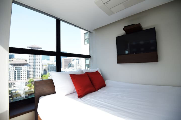 57 Myeongdong Hostel (Standard Double)