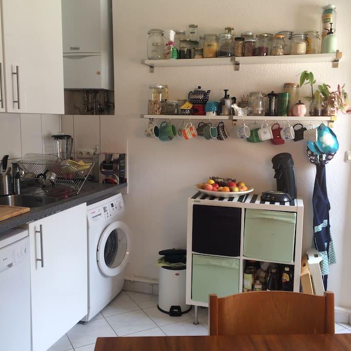 gemütliche Wohnküche zur gemeinsamen Nutzung (auch Waschmaschine)