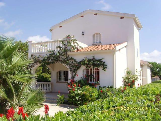 Casa con piscina y Barbacoa para 9 a 11 personas - Les Tres Cales - House