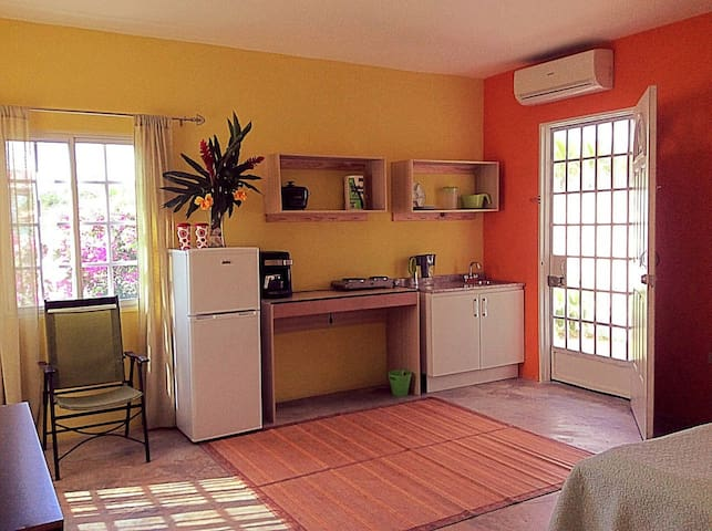Private studio in breezy, Hilltop house - La Chorrera - Casa