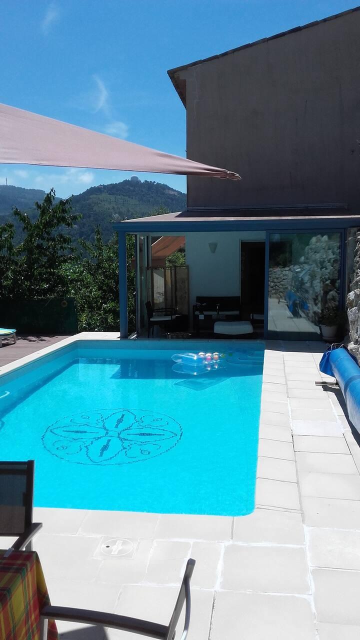 Chambre d'hôtes dans villa avec piscine