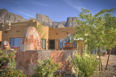New! Beautiful Cactus Wren Casita - Mountain Views - Apache Junction - Ház