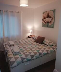 Modern Home in Castletroy Room 1