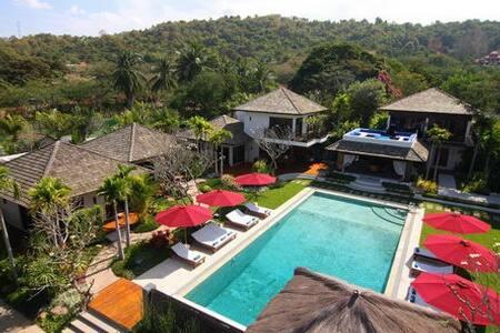 Private 9 bed Villa with Large Pool - พัทยา - วิลล่า