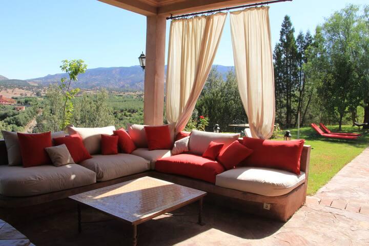 Villa 5 chambres avec  piscine dans l'Atlas