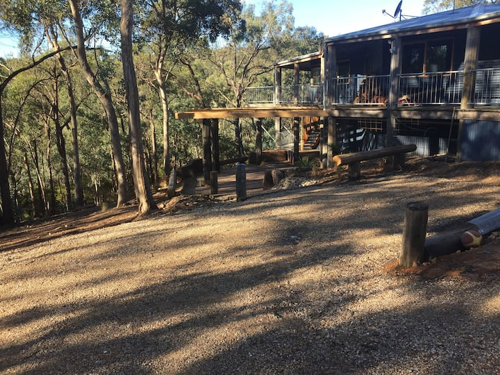 River Dreams studio amongst the gumtrees