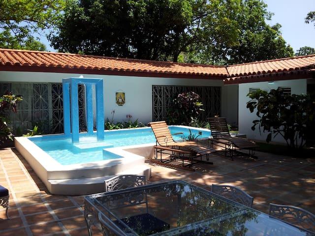 Mansion Las Praderas - La Habana - Casa