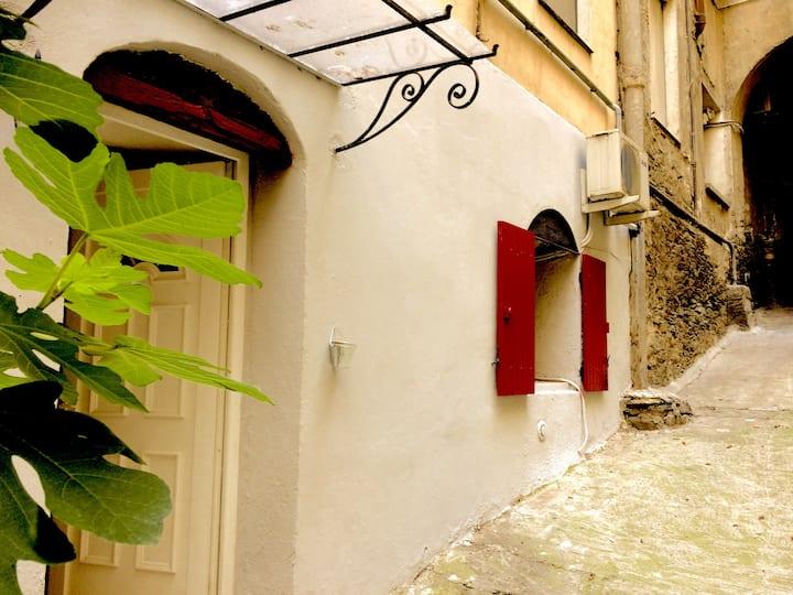 """""""A casella"""" / Studio apartment in Bastia"""