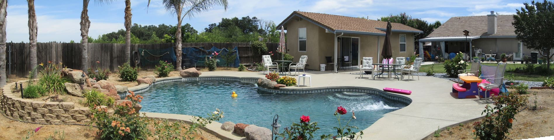 The Pool House @ Yuba City - Yuba City
