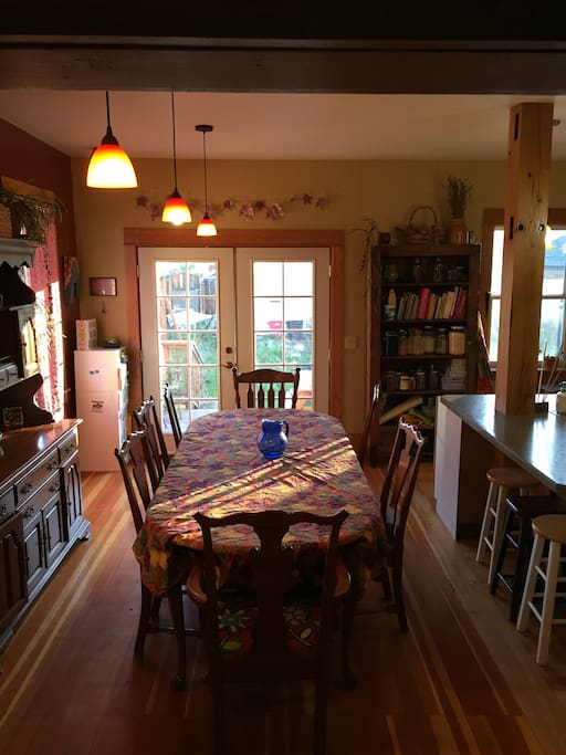 10' dining table - great for feasting.