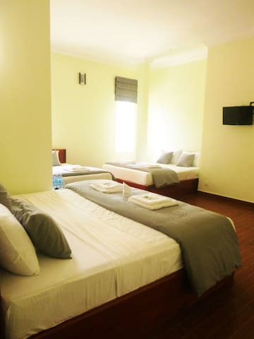Large family room in the heart of Kampot - Krong Kampot - Boutique-Hotel