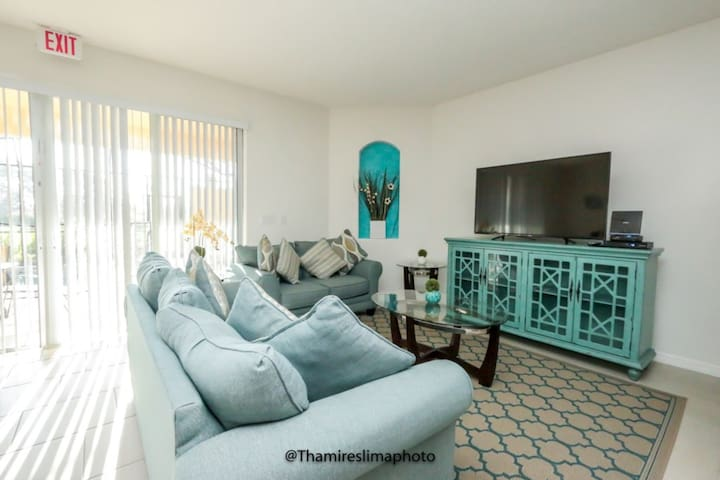 4Beds/3.5Bath Town Home at  Solterra Resort -19
