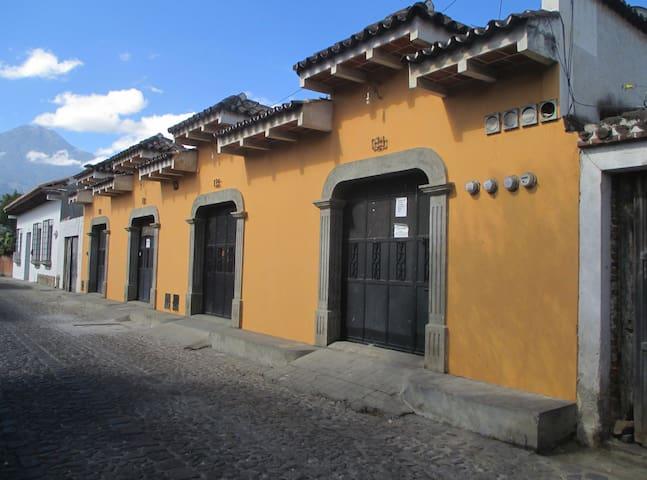 Casa de Silvia -- Habitación 2