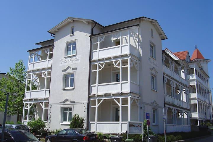 Strandnahe Wohnung in Bäderstilvilla in Binz