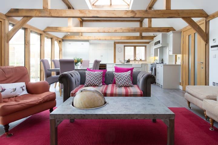 Stunning Lodge by Ridgeway/Thames