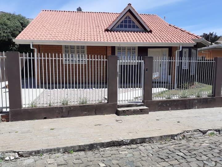Quarto Privativo em Videira (prox. Unoesc)