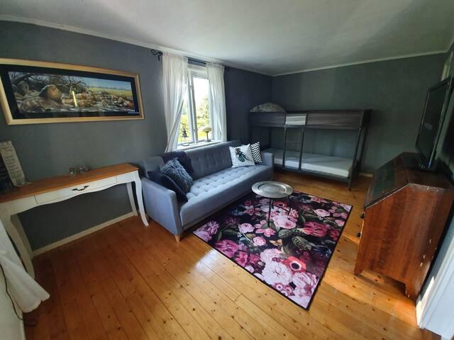 Sovrum nr 2 med våningsäng