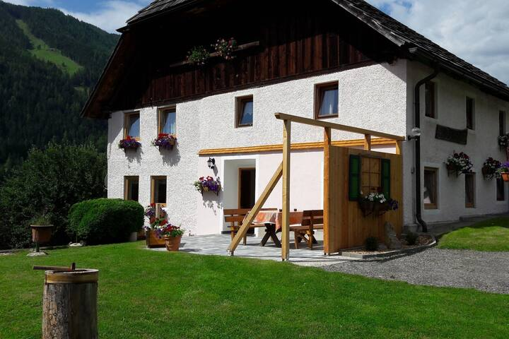 Warm Holiday Home in Sankt Peter am Kammersberg with Terrace