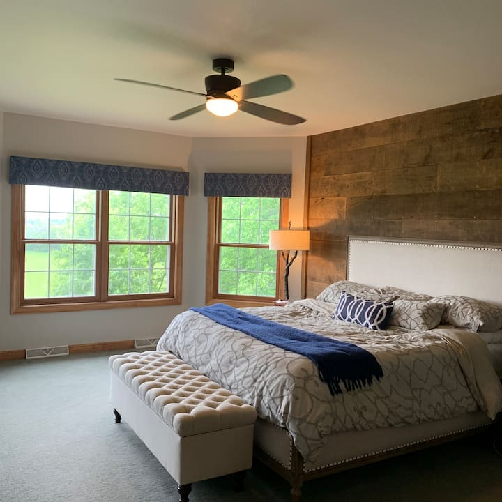 4000 sq ft Rustic, Modern , Secluded Home