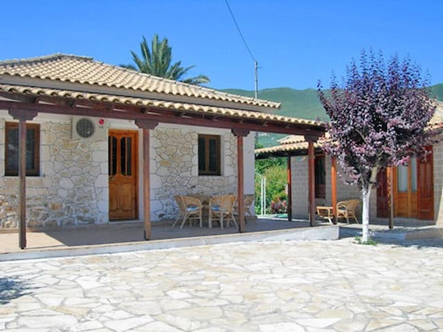Holiday house in Alykes, Zante - Katastari - Rumah