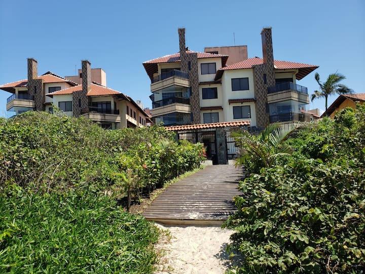 Apartamento Pé na Areia com Vista Praia Ingleses