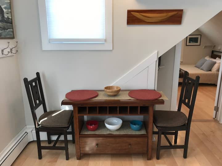 Private/Quiet 1 BR just 2 blocks to Commercial St.