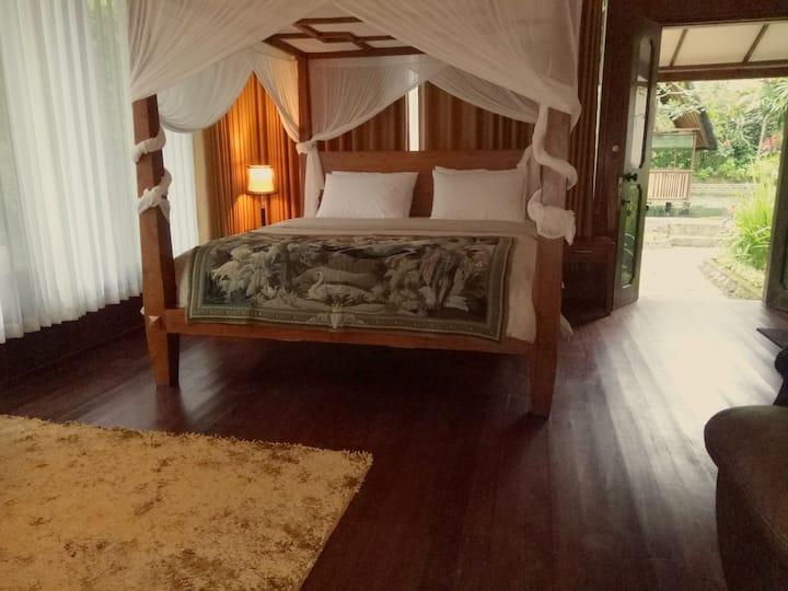 Mi Casa Guest House - Bungalow river view